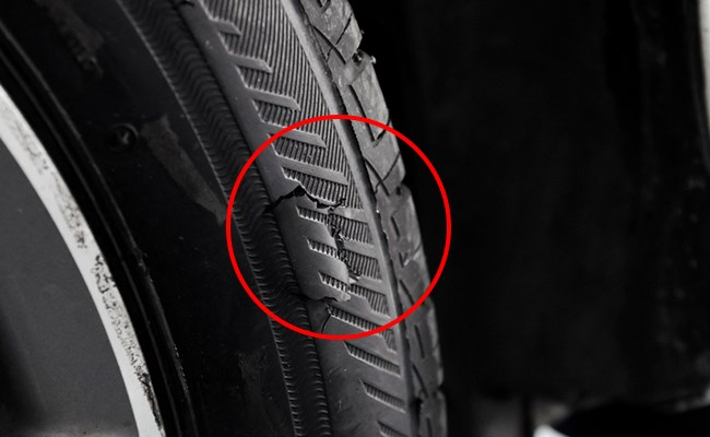 If your tires sidewalls look cracked... Visit Zantire Center!