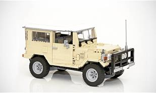 Lego version of Toyota Land Cruiser BJ42, you won't believe the details