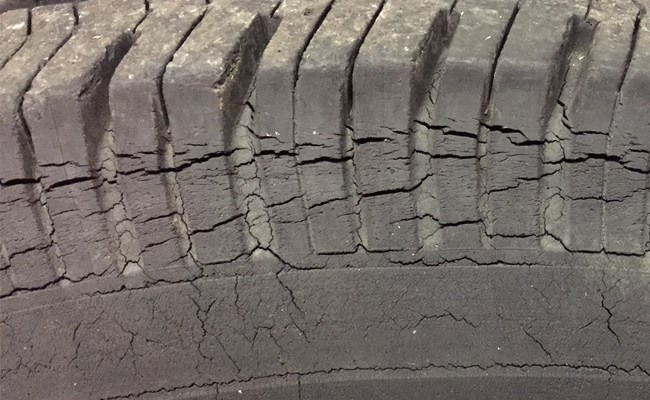 What is tire dry rot and what causes a tire to dry rot in Lebanon?